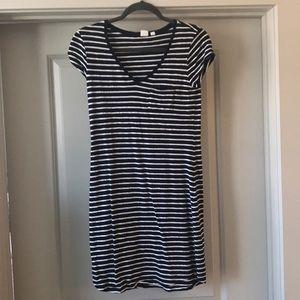 EUC Gap Striped Navy and White Tee Shirt Dress